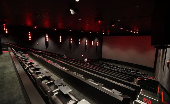 A New Dine-In Movie Theater built in the Fashion District