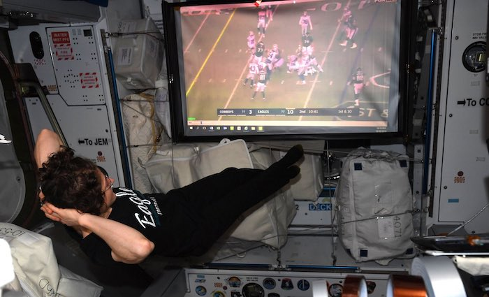 Eagles Get Support from US Astronaut in Space